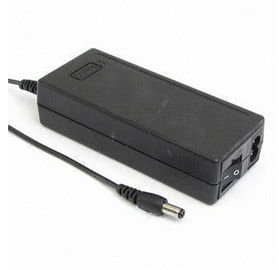 China 65 W Black Universal AC DC Adapters EN60950 High Effiiency with EMI Filter supplier